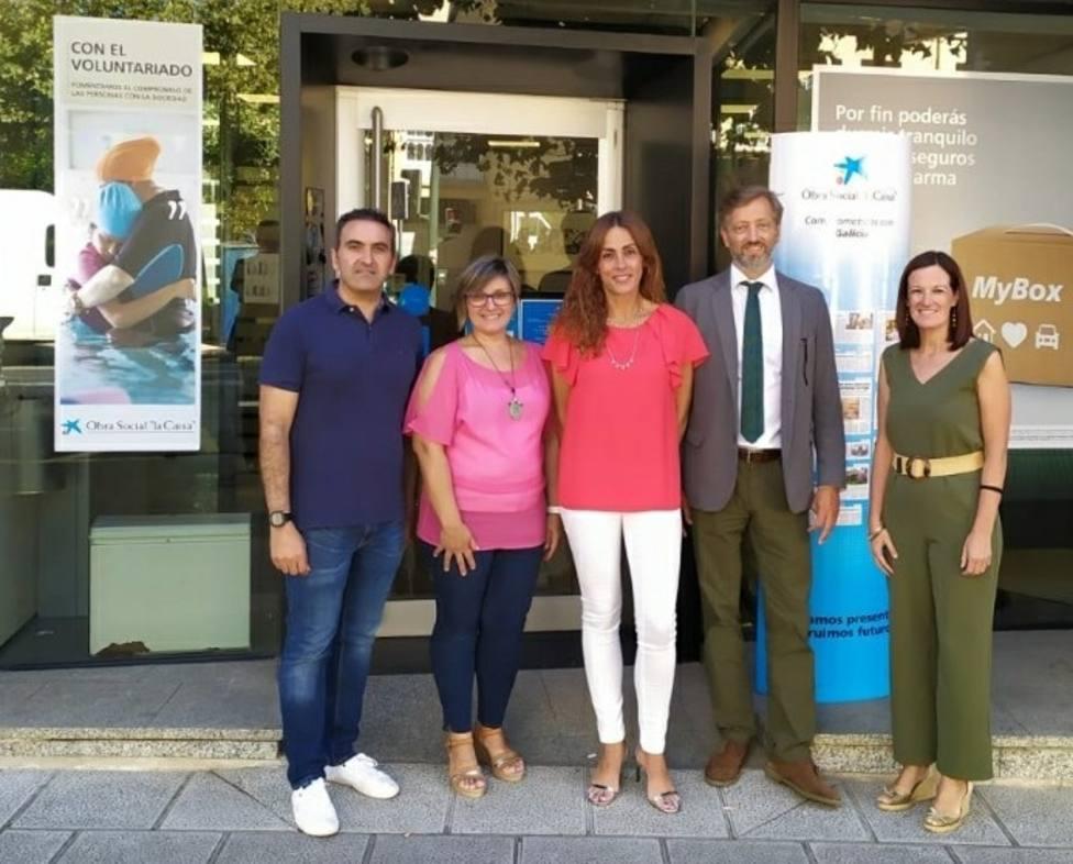 """La Obra Social """"la Caixa"""" concede una ayuda de 7.500 euros a la asociación Áurega"""